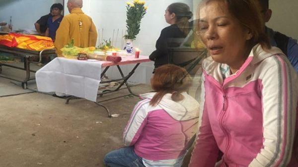 Xót xa khi chứng kiến cảnh tượng 3 quan tài đặt cạnh nhau sau khi bà ngoại, con gái và cháu gái 2 tuổi tử vong trong vụ cháy kinh hoàng