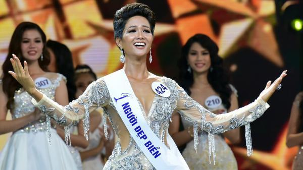 Khi tân Hoa hậu Hoàn vũ Việt Nam bị dè bỉu vì màu da nâu