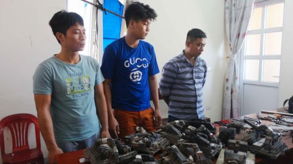 Công an huyện Bố Trạch: Bắt ba đối tượng 9X táo tợn trộm hộp đen xe đầu kéo container