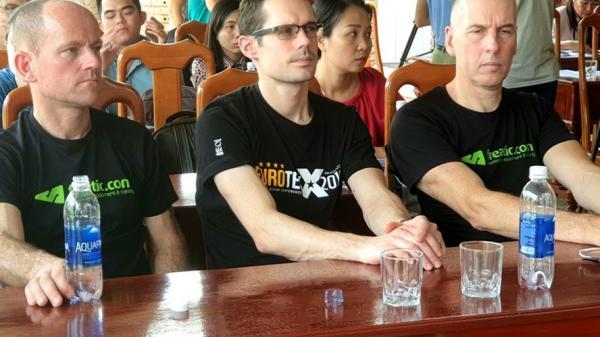 Nhóm chuyên gia giỏi nhất thế giới thám hiểm sông ngầm trong Sơn Đoòng