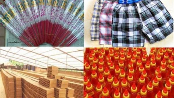 Bi hài việc thưởng Tết bằng sản phẩm công ty: xách tương ớt, khăn giấy về dùng cả năm
