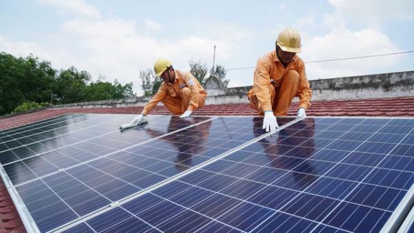 Quảng Bình mua lại điện mặt trời áp mái