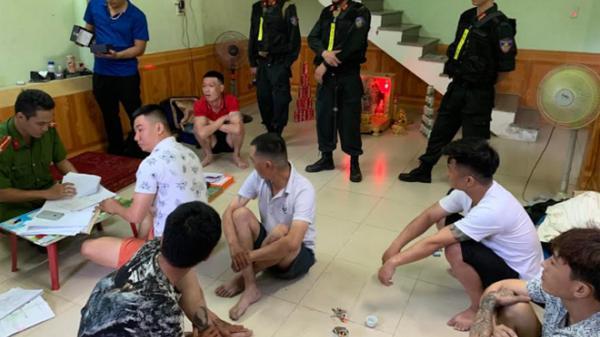 Đ ột kích hàng loạt tụ điểm tín dụng đen tại Quảng Bình