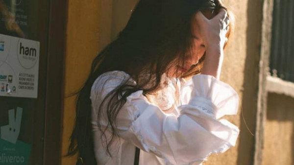 Trong tình yêu, im lặng cũng là một hình thức lên tiếng hay im lặng là sự bộc bạch cuối cùng của nỗi buồn?