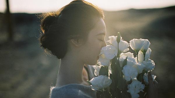Khi yêu phải nhớ kĩ điều này: Một là tất cả, hoặc hai là không là gì cả