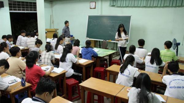 Cả nước ngưng cấp phép dạy thêm, học thêm