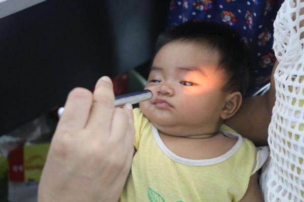 Chương trình mổ mắt miễn phí cho trẻ nhận đăng ký từ ngày 9 đến 20/12. Ảnh: CTV