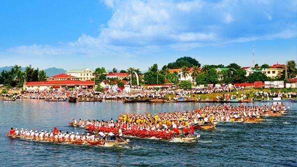 Lễ hội đua thuyền truyền thống huyện Quảng Ninh: Nét văn hóa độc đáo, thu hút khách du lịch