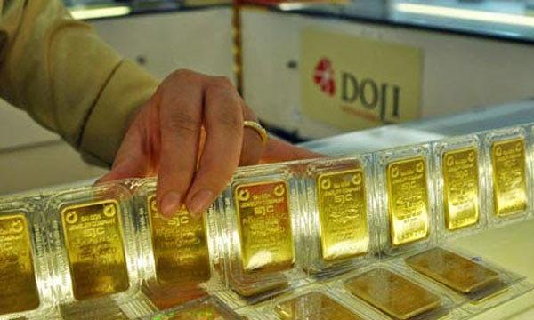 Giá vàng hôm nay 17/9: Vàng lao dốc.